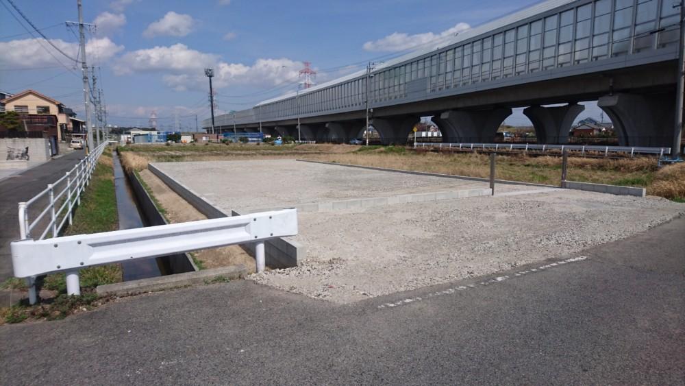 擁壁、間知ブロック、駐車場等の造成工事
